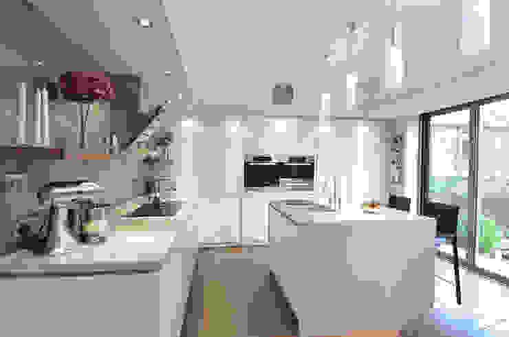 MR & MRS SPELMAN'S KITCHEN Modern kitchen by Diane Berry Kitchens Modern