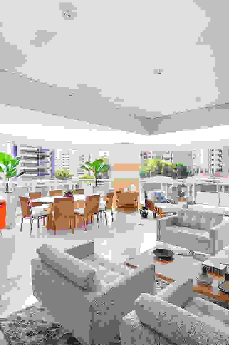 PROJETO IDENTIDADE BRASILEIRA - LIVING Adriana Scartaris: Design e Interiores em São Paulo Salas de estar modernas