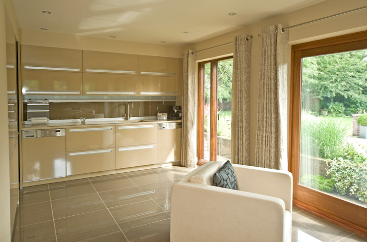 MR & MRS TAYLOR'S KITCHEN Modern kitchen by Diane Berry Kitchens Modern