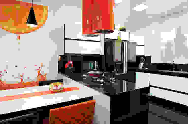 Dapur Modern Oleh Adriana Scartaris: Design e Interiores em São Paulo Modern