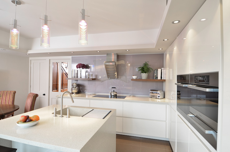MR & MRS SPELMAN'S KITCHEN Cucina moderna di Diane Berry Kitchens Moderno