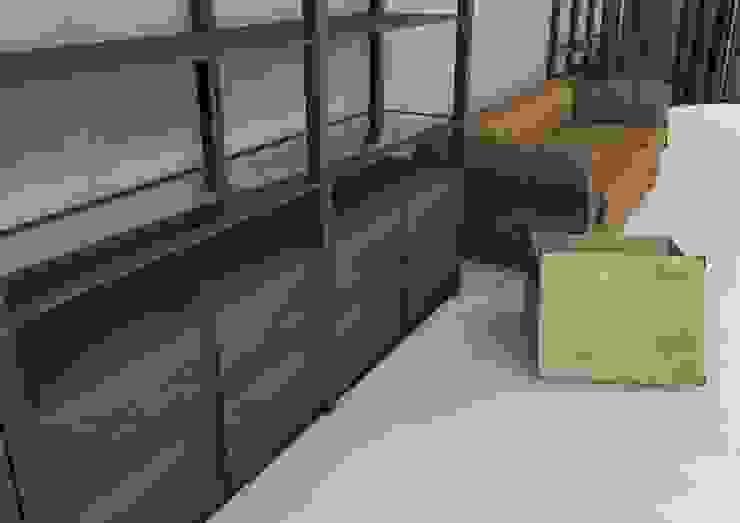New store shoes and bags Spazi commerciali in stile scandinavo di Masi Interior Design di Masiero Matteo Scandinavo