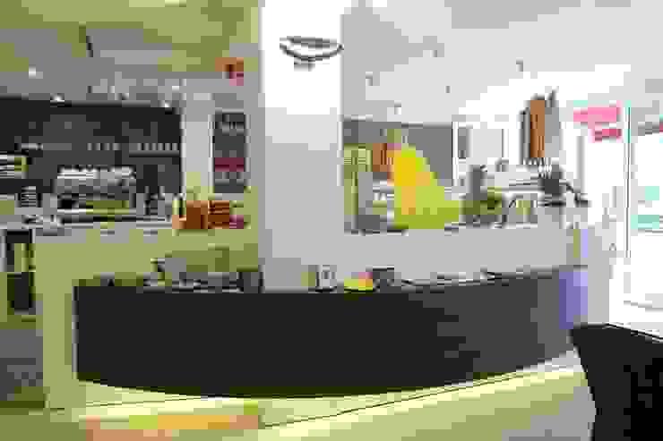 Eis cafe Rialto Gastronomia in stile moderno di Masi Interior Design di Masiero Matteo Moderno
