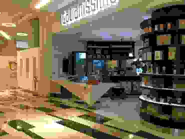 Corner Buonissimo in Abu Dhabi di Masi Interior Design di Masiero Matteo Moderno
