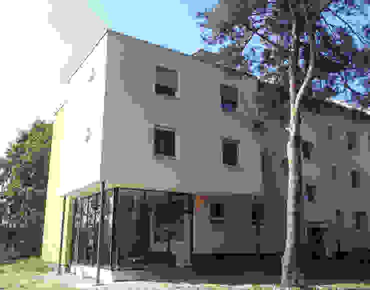 Kinderheim: modern  von Keyfacts of Architecture,Modern