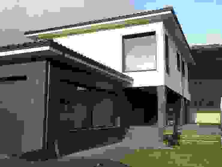 garaje de Muneta Arquitectura S.L.P. Minimalista