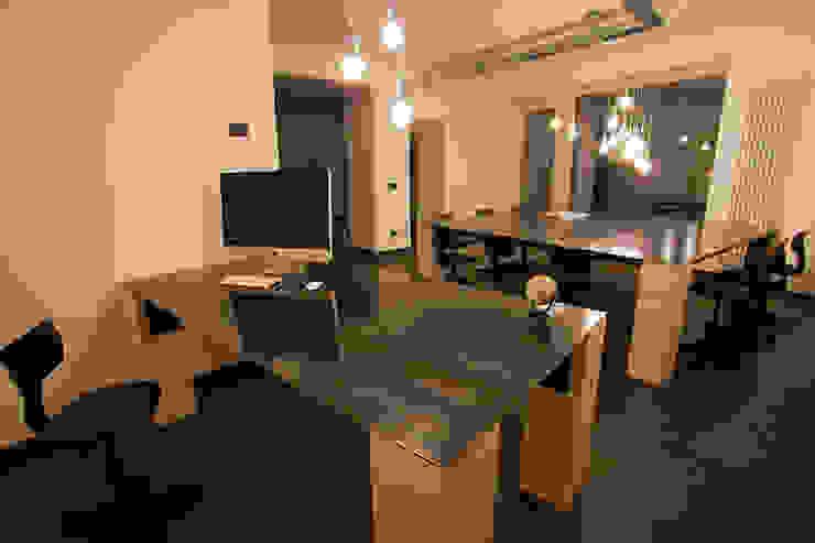 B.E.Ar. Progetti Headquarters Studio minimalista di BEARprogetti - Architetto Enrico Bellotti Minimalista