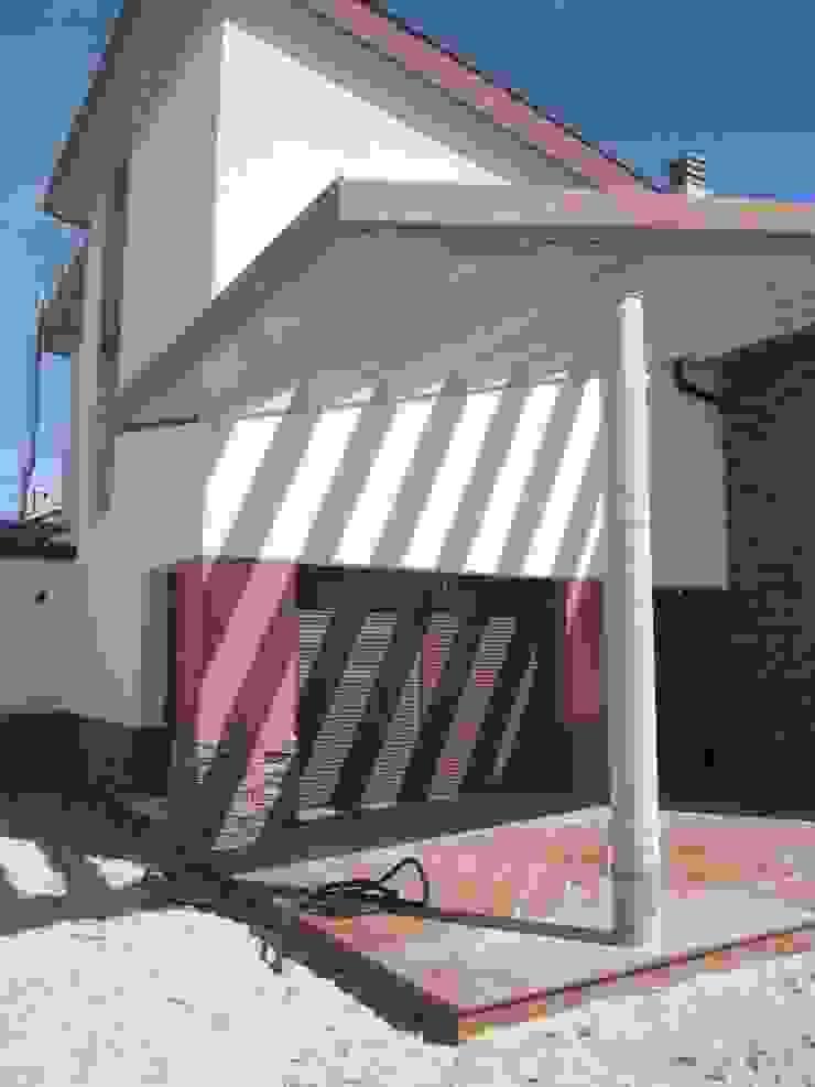 PORCHE de BM2C Arquitectos Moderno