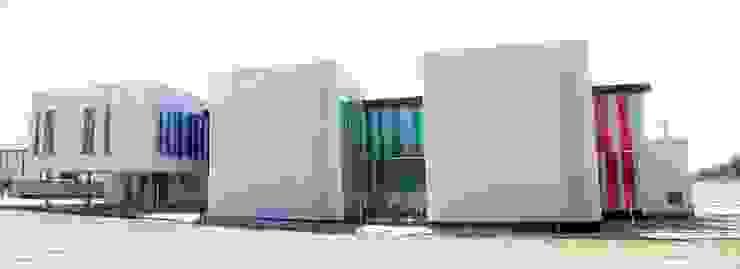 FACHADA EXTERIOR Oficinas y tiendas de estilo moderno de BM2C Arquitectos Moderno