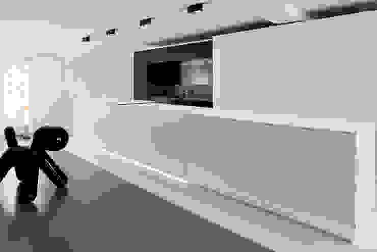 appartement B Cocinas de estilo minimalista de atelier d'architecture Yvann Pluskwa Minimalista