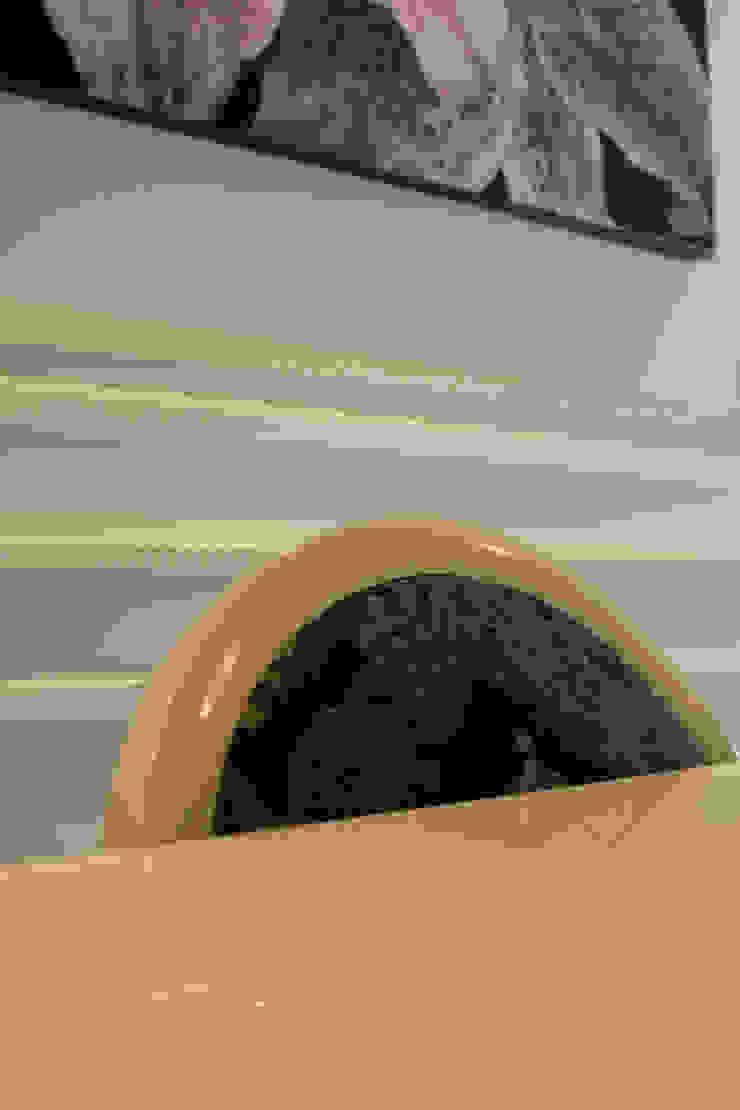 Vivienda al <q>Estilo clásico renovado</q> Casas de estilo clásico de lauraStrada Interiors Clásico