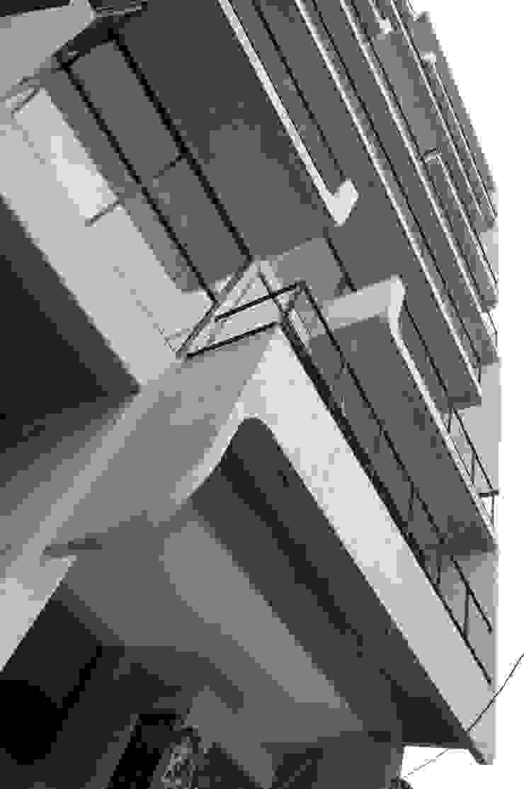 Living Eje Central Balcones y terrazas modernos de Living SLVK Moderno