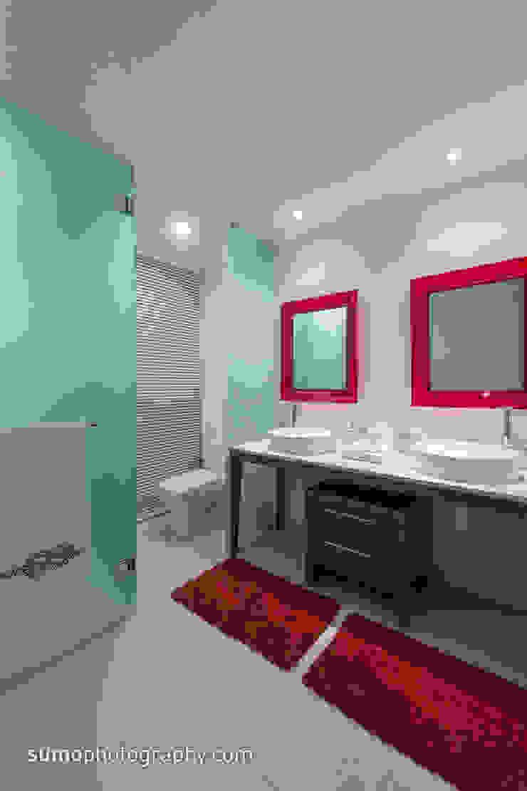 ICON VALLARTA CONDOMINIO TORRE 3 DEPTO 803 Casas eclécticas de Marusa Albarrán interior Design Ecléctico