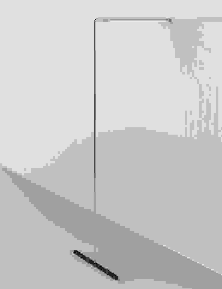 LESS IS MORE, coat hangers holders de Insilvis Divergent Thinking Minimalista