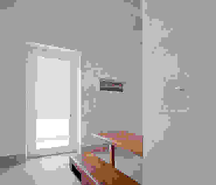Couloir, entrée, escaliers méditerranéens par Indice Creativo Méditerranéen
