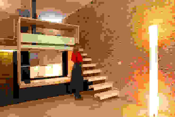 Minimalist corridor, hallway & stairs by Beriot, Bernardini arquitectos Minimalist