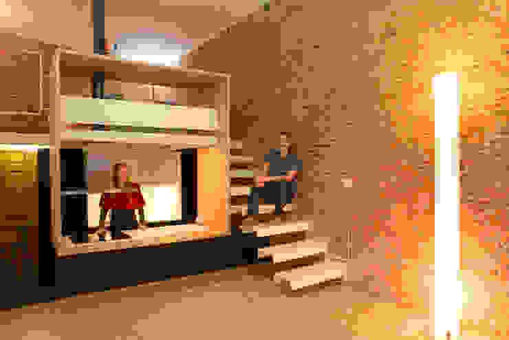 Ingresso, Corridoio & Scale in stile minimalista di Beriot, Bernardini arquitectos Minimalista