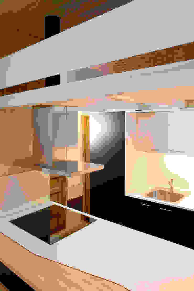 by Beriot, Bernardini arquitectos Minimalist