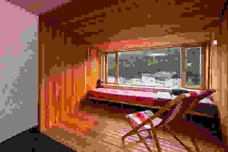 Refugio PUERTO DE NAVACERRADA. Madrid Beriot, Bernardini arquitectos Casas minimalistas