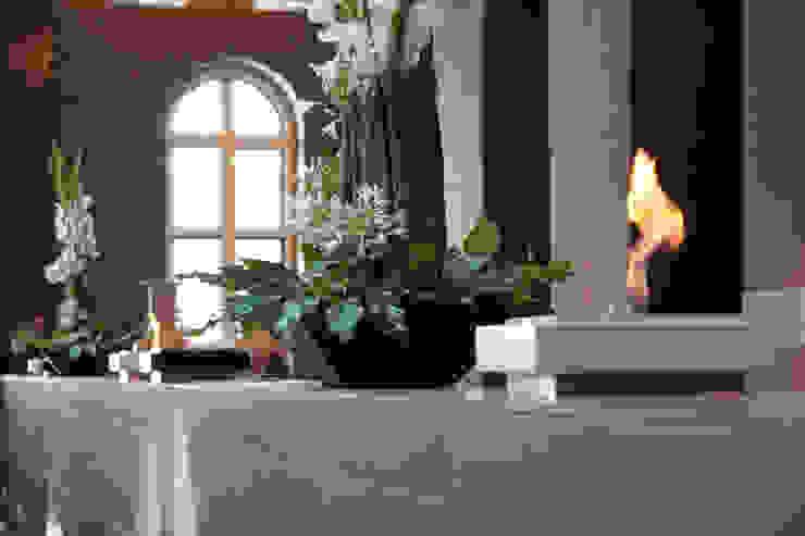 Feuerstellen im Foyer eines Luxushotels: modern  von Cult Fire International Sales GmbH,Modern