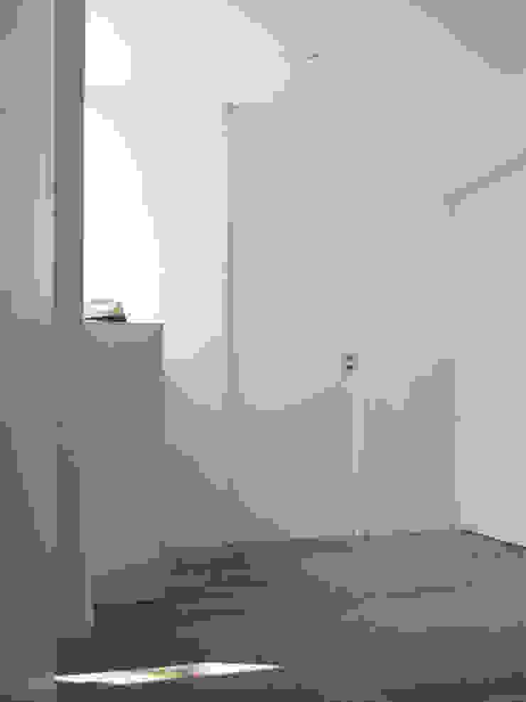 Departamento_Ro Casas minimalistas de revolver architecture Minimalista