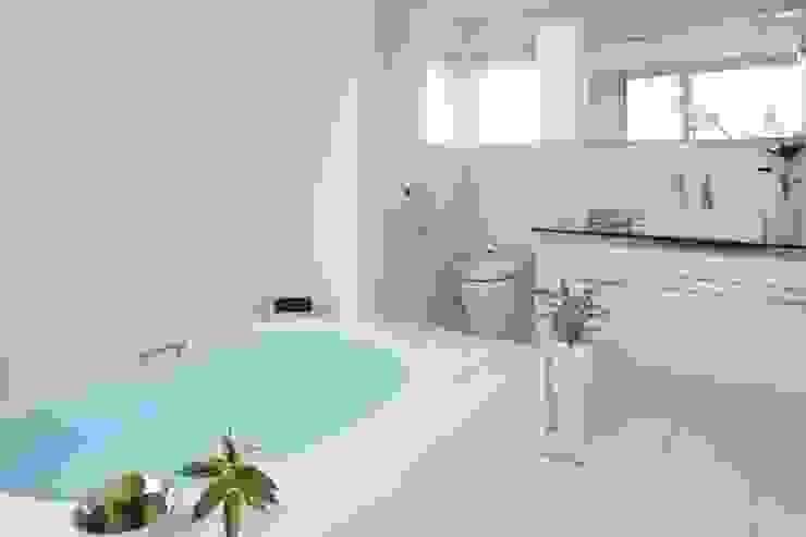 リゾートバスルーム モダンスタイルの お風呂 の TERAJIMA ARCHITECTS モダン