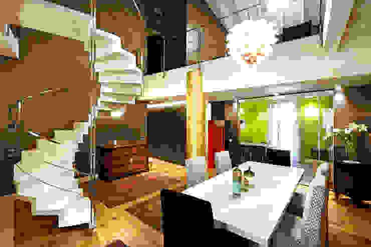 serramenti interni Case moderne di SANTACROCEARCHITETTI Moderno