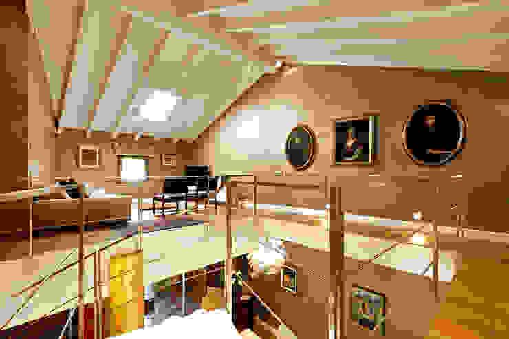 Moderne Häuser von SANTACROCEARCHITETTI Modern