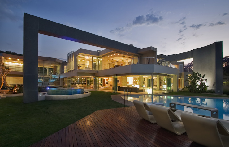 Glass House Modern houses by Nico Van Der Meulen Architects Modern