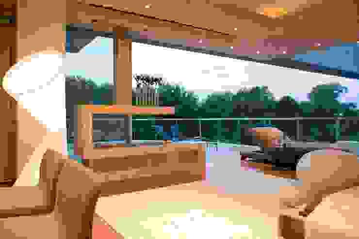 Glass House Modern houses by Nico Van Der Meulen Architects Modern