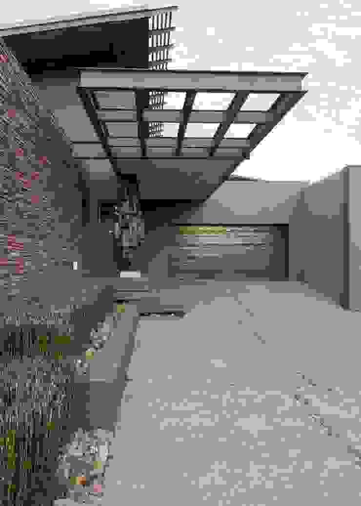 House Duk Modern houses by Nico Van Der Meulen Architects Modern