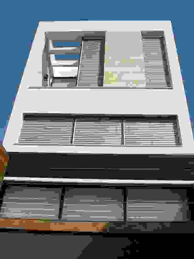 NUÑO ARQUITECTURA Minimalist house White