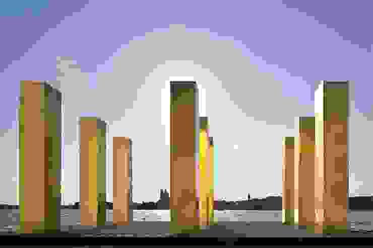 The Sky Over Nine Columns von homify