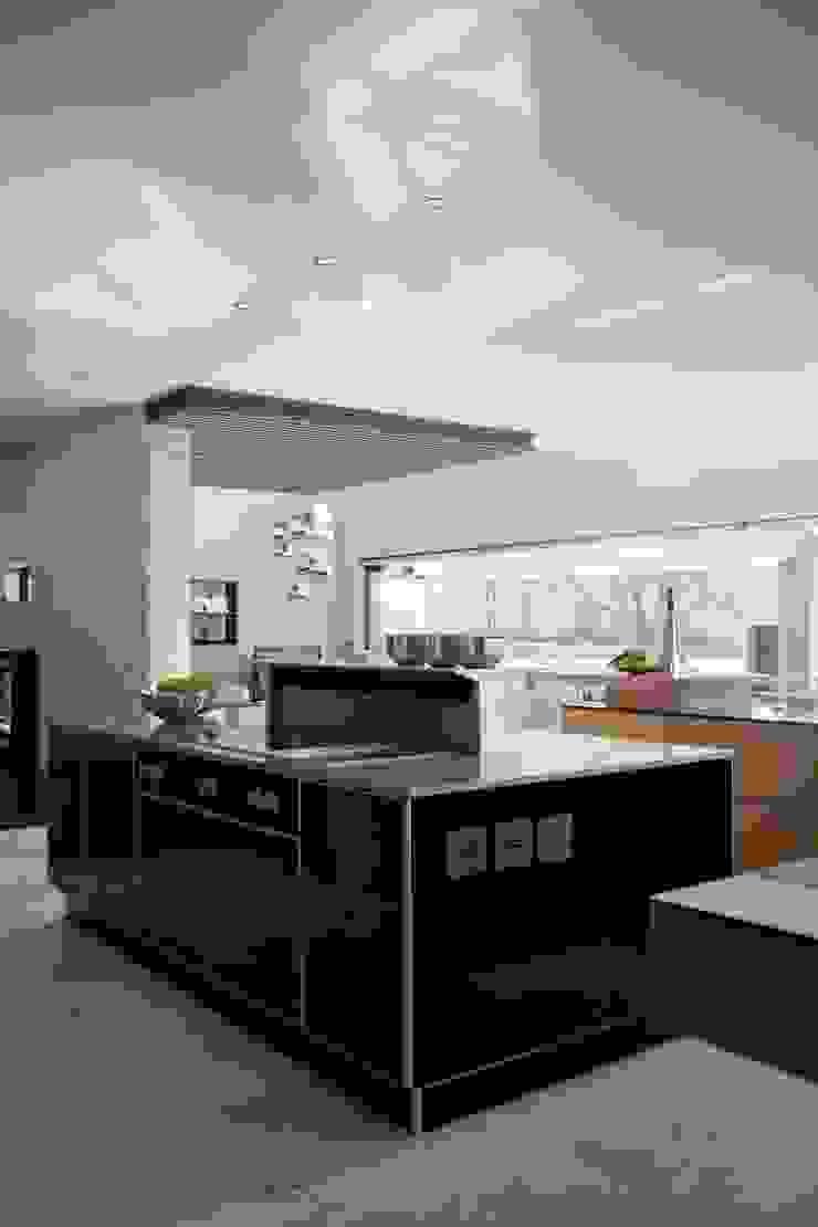 House Eccleston Modern houses by Nico Van Der Meulen Architects Modern