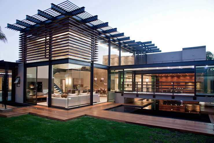 House Abo Modern home by Nico Van Der Meulen Architects Modern