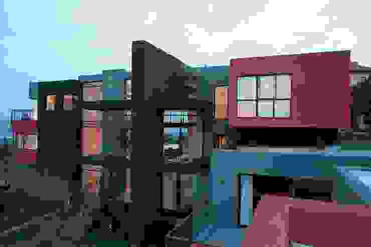 House Lam Modern houses by Nico Van Der Meulen Architects Modern