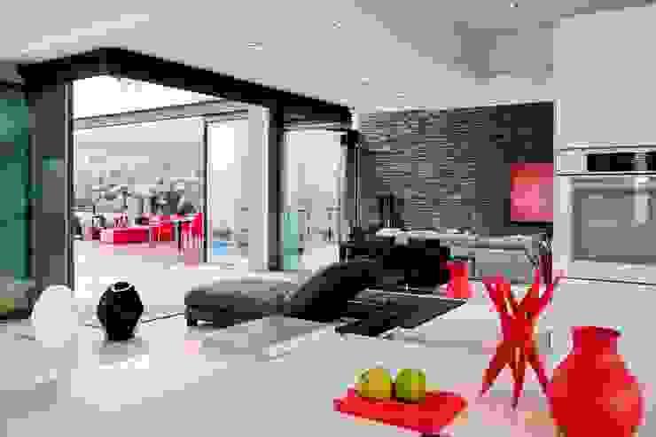 House Lam Modern living room by Nico Van Der Meulen Architects Modern