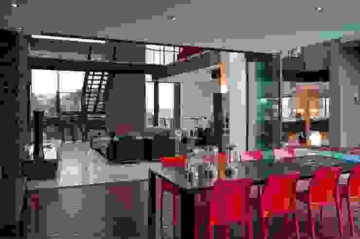 Comedores de estilo  por Nico Van Der Meulen Architects , Moderno