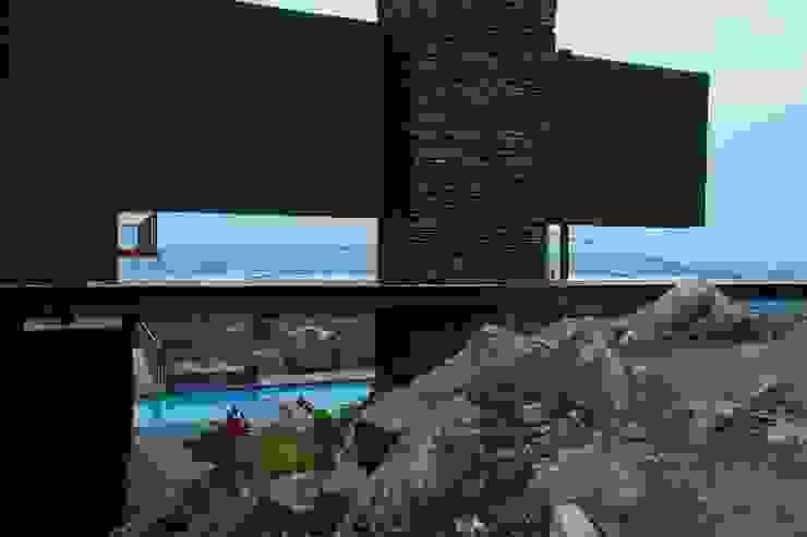 House Lam Modern garden by Nico Van Der Meulen Architects Modern
