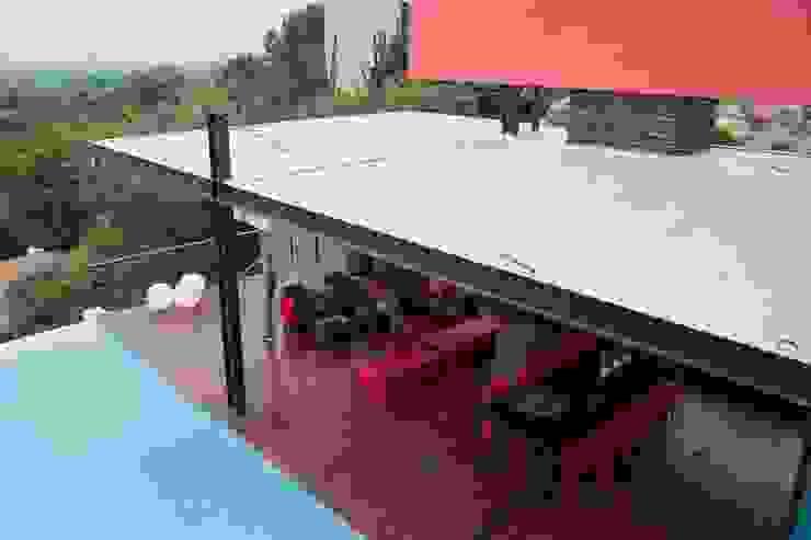 House Lam Modern balcony, veranda & terrace by Nico Van Der Meulen Architects Modern
