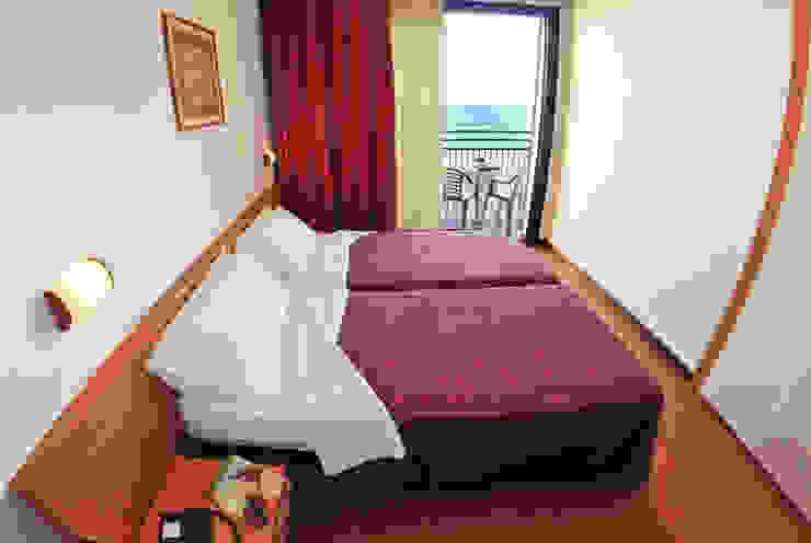 camera_vista fronte mare Hotel moderni di Paola Veronese Architetto Moderno