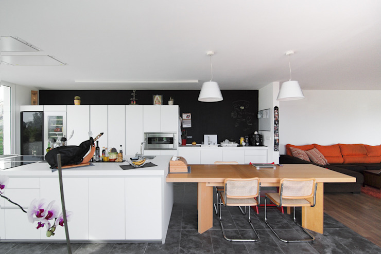 LES PLANES DEL REI HOUSE ENLARGEMENT Espaços comerciais por Jofre Roca arquitectes