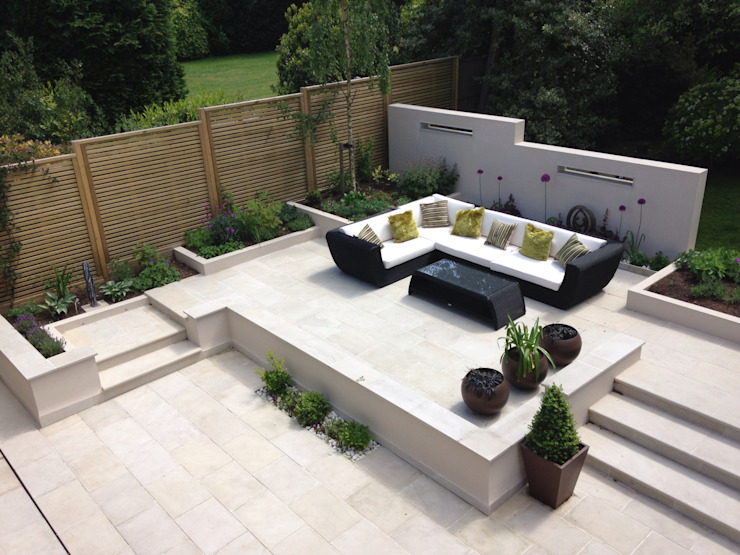 Terrace with furniture Modern style gardens by Gardenplan Design Modern