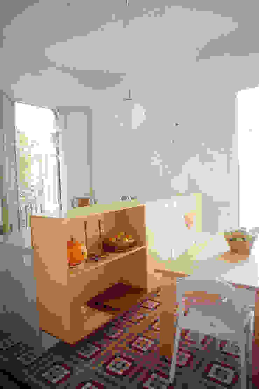 cocina - comedor Comedores de estilo moderno de PARRAMON + TAHULL arquitectes Moderno