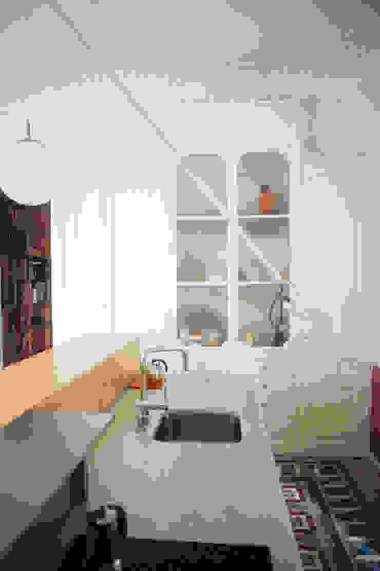 cocina Cocinas de estilo moderno de PARRAMON + TAHULL arquitectes Moderno