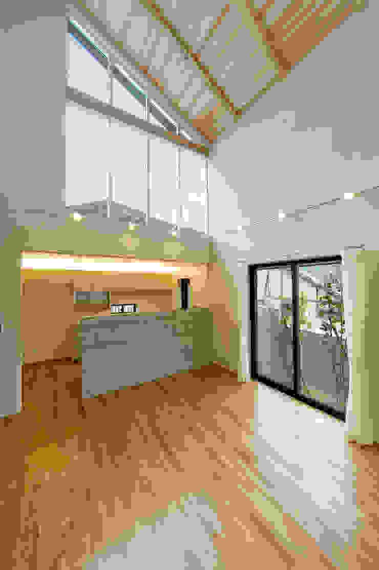 ハイサイドライトのあるダイニングキッチン モダンデザインの ダイニング の 株式会社古田建築設計事務所 モダン