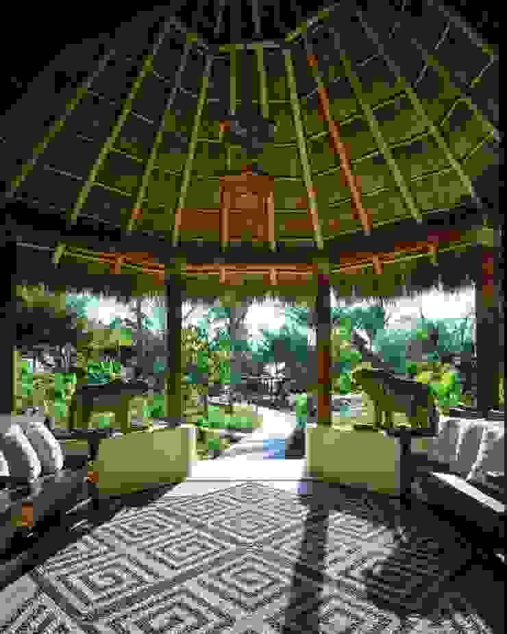 Vestíbulo de Ingreso. Casa Calandrias. BR Arquitectos Hoteles de estilo tropical de BR ARQUITECTOS Tropical