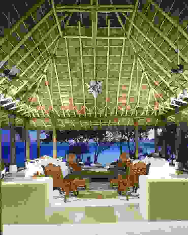 Estancia 2 . Casa Calandrias. BR Arquitectos Hoteles de estilo tropical de BR ARQUITECTOS Tropical
