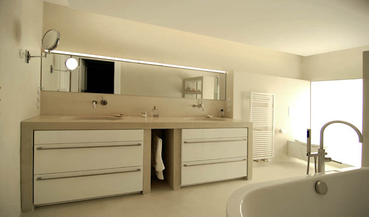 Betonwaschtisch Metropolitan Moderne Badezimmer von material raum form Modern Beton