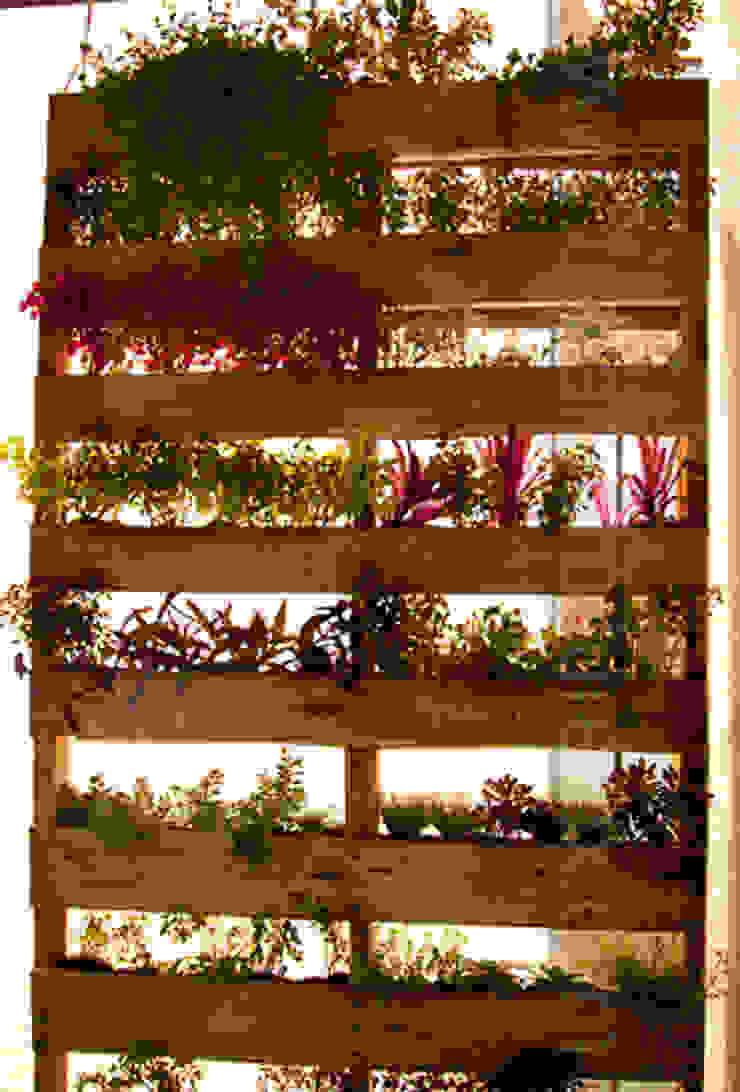 Muro Verde URBAN FURNITURE:  de estilo industrial por URBAN FURNITURE, Industrial